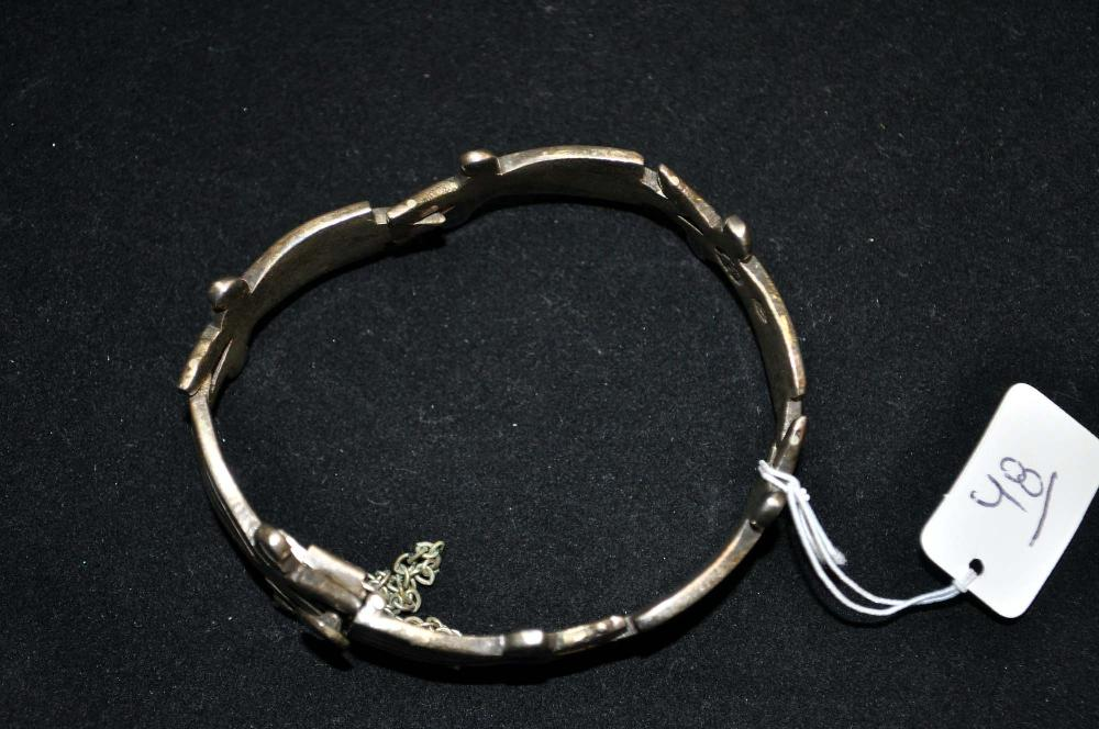 Vintage heavy Sterling Silver Bracelet. J. Flores Taxco. 47 grams.
