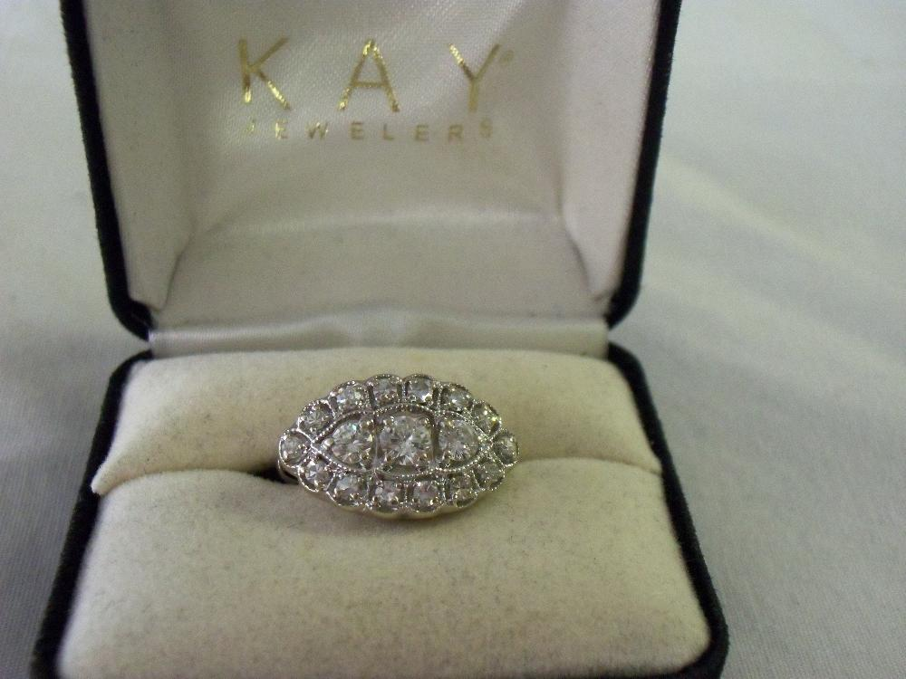 Ladies ring with 17 total diamonds