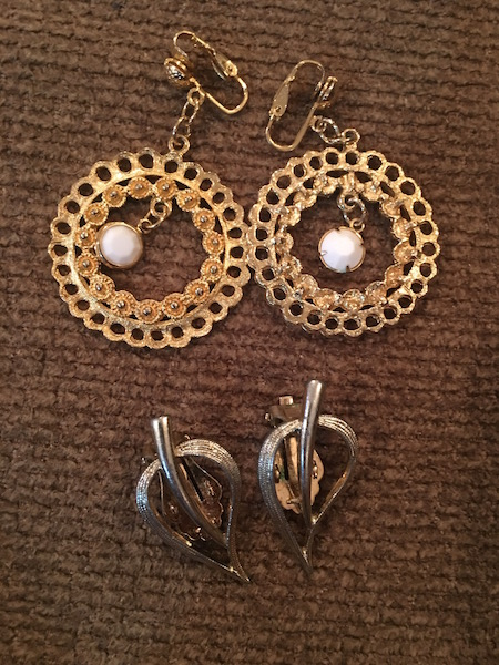Bid online now at auctionzip live the upcoming live for Dollar jewelry and more