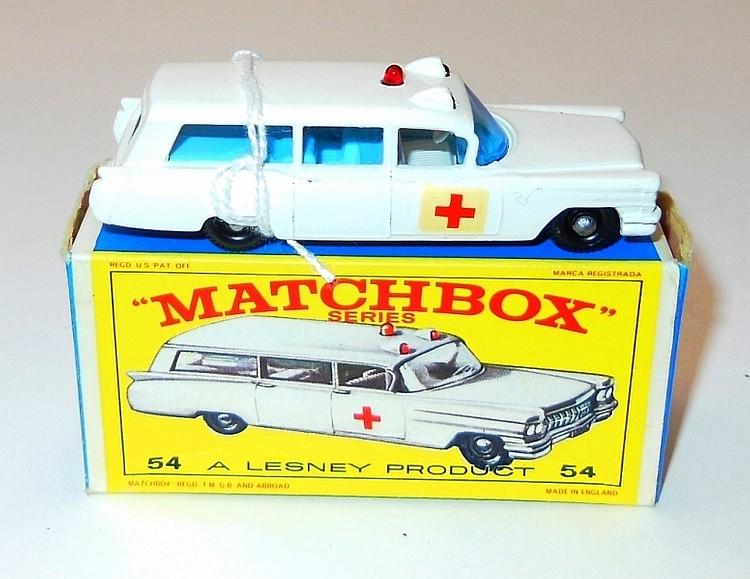 98. VINTAGE LESNEY MATCHBOX #54 S&S; CADILLAC AMBULANCE N.I.B.