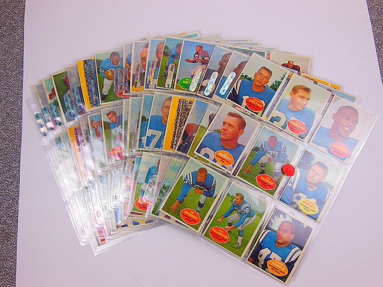73 A. 1960 TOPPS FOOTBALL CARD SET