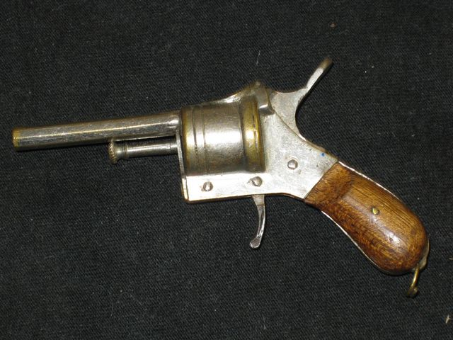 Figural Cigar Cutter: Revolver