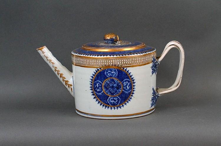 Fine 18thc. Chinese B/W Fitzhugh Teapot