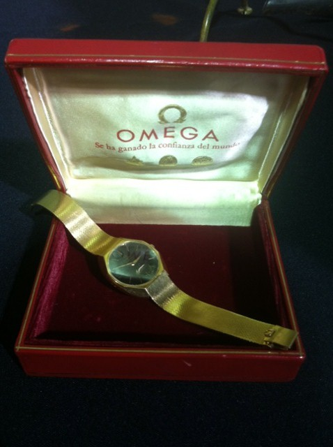 Vintage 18k Omega Constellation Watch