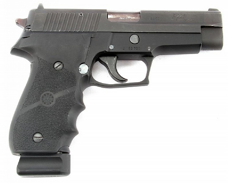 SIG SAUER P226 9MM PISTOL WITH EXTRA MAG