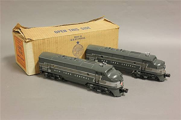 2 PCS LIONEL POST WAR - 2344 AA UNITS WITH ORIGINAL BOXES