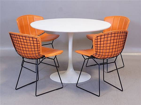 5 PIECE KNOLL BERTOIA MID CENTURY MODERN TULIP BASE TABLE AND 4 CHAIRS