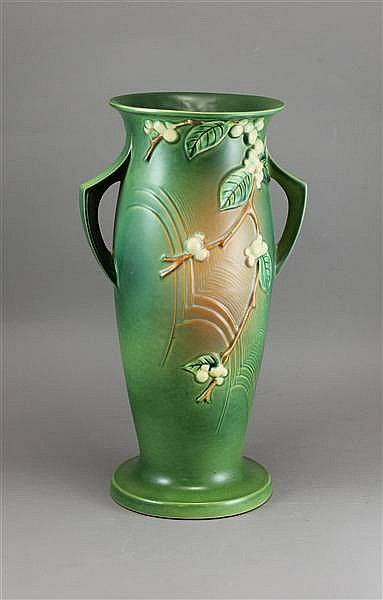 "ROSEVILLE POTTERY GREEN SNOWBERRY IV-18"", 19"""