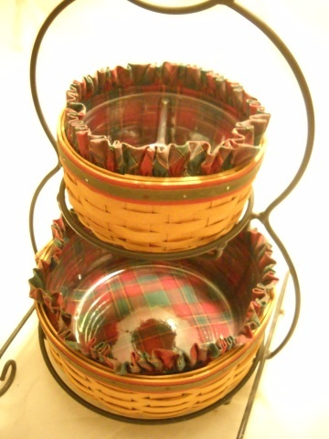 2000 Longaberger Foundry Snowman Stand & Baskets