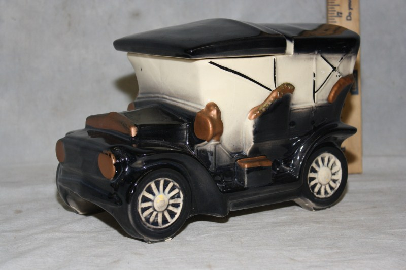 L185 VINTAGE MCCOY POTTERY OLD FASHIONED TOURING CAR CERAMIC COOKIE JAR 1962