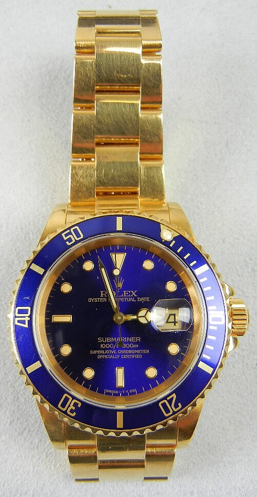 Men's Rolex 18K Gold Submariner Oyster Perpetual Date w/ Blue Dial and Gradauted Rotating Time Lapse Bezel, Purchased 1992, w/ Box, Paperwork, and Extra Link