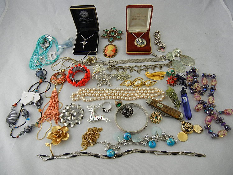 Nice Group Lot of Costume Jewelry (Evening in Paris, Cameo)