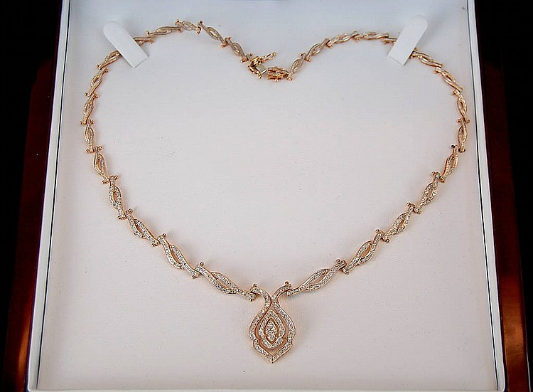 An Estate Diamond & 14k Gold Necklace