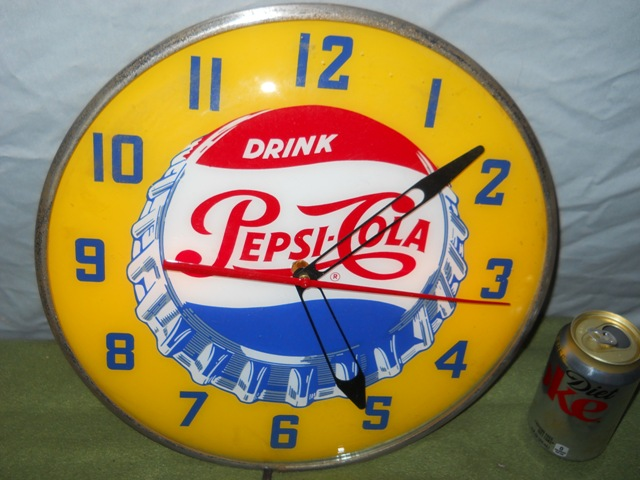 "15"" Round Light-Up Pepsi-Cola Bottle Cap Advertising Clock-Works 100%."