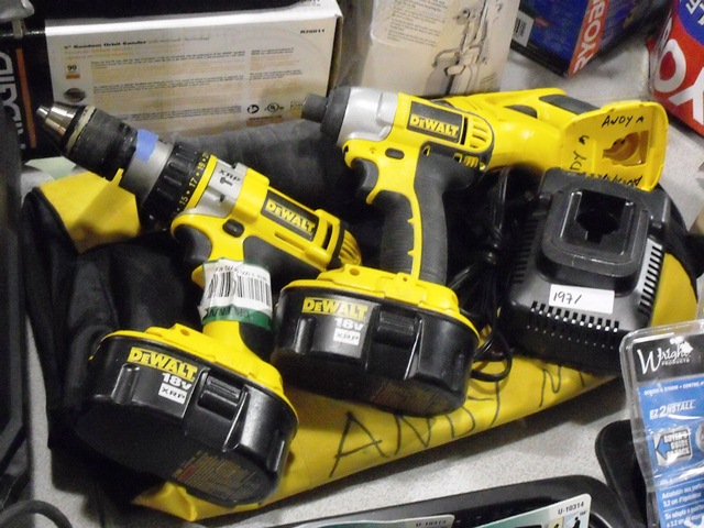 DeWalt 18V Cordless 3-Tool Set, Hammer Drill, Impact Driver and Reciprocating Saw